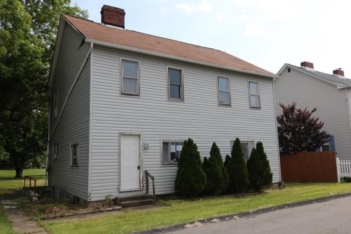 220 10th Street listing