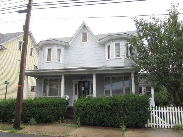 422 Main Street listing