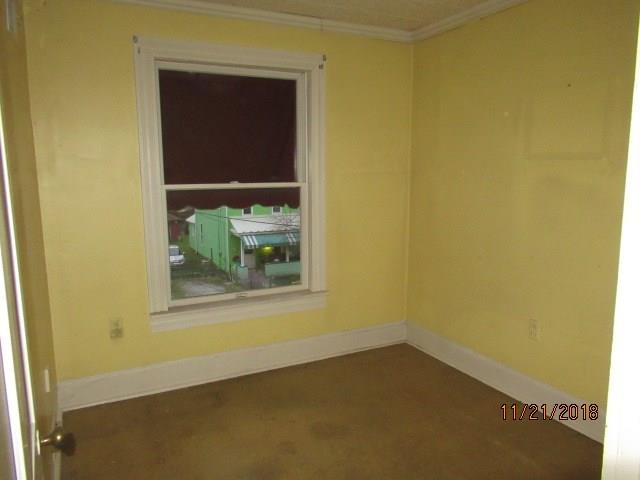 628 Painter Street 9