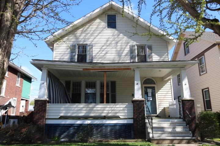 203 Worth Street listing