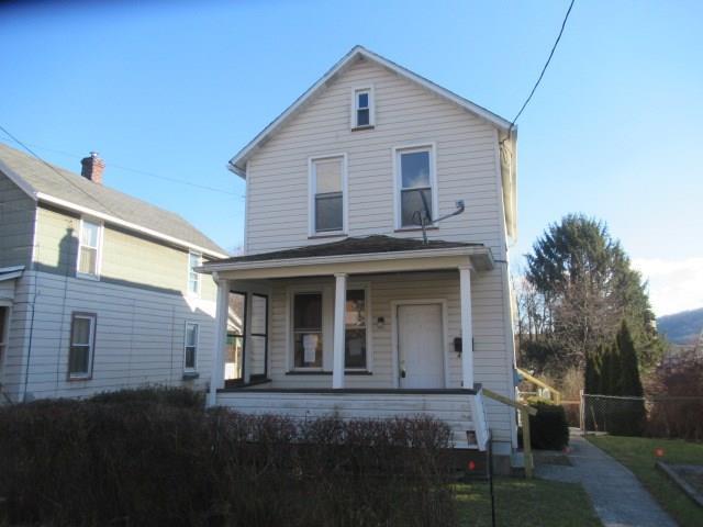 384 Stone Street 1