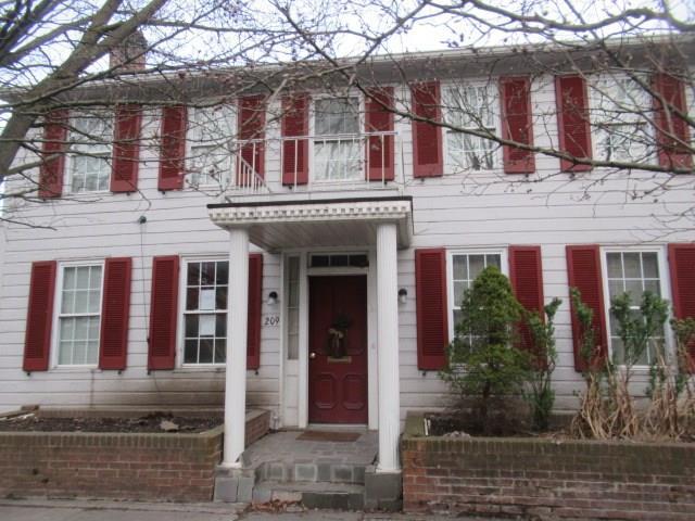 209 N Spring Street listing
